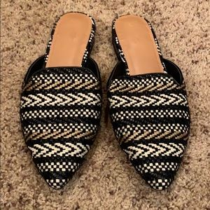 Universal Thread woven mules // Size 6